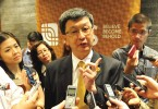 Lim (centre) is confident of the next three years based on the projects in hand.