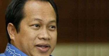 Maslan says again that consumers can refuse to pay the service charge which is not a government tax.