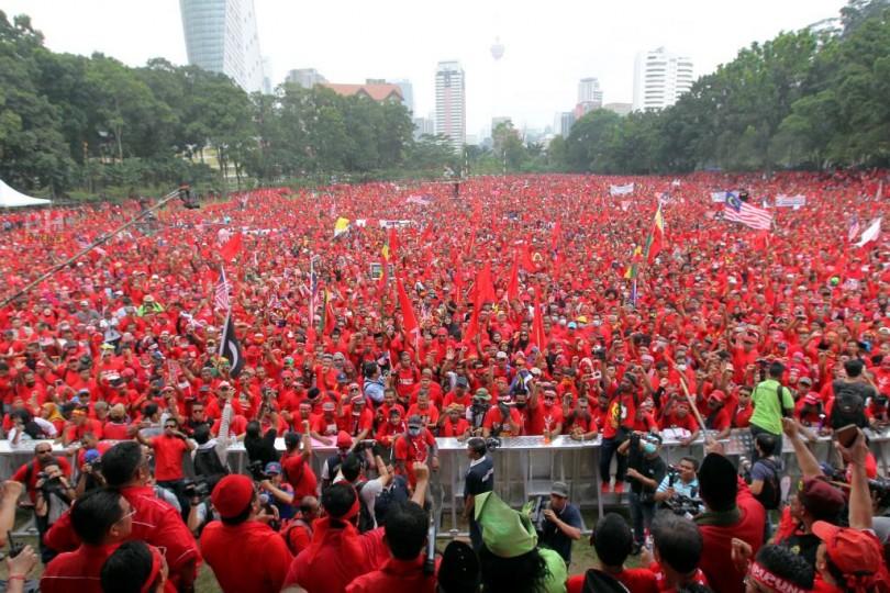 Red-Shirt-Rally-4