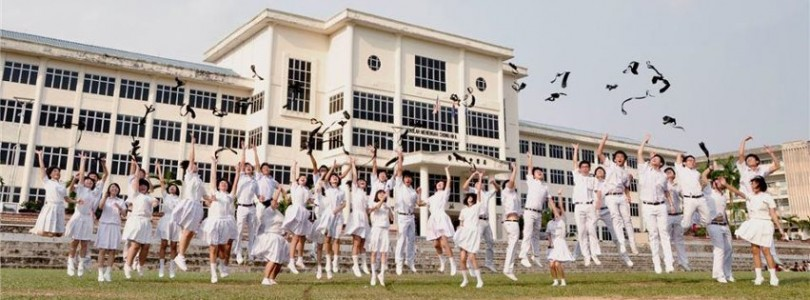 Students of Chung Hwa High School, Kluang, Johor celebrating after finishing their UEC examinations.