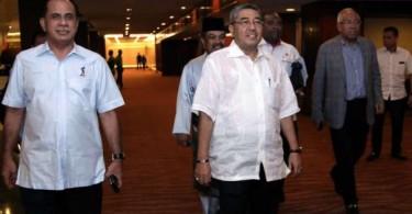 Kedah Umno leaders arriving for a meeting with Najib last week.