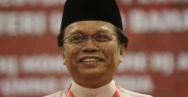 Datuk Seri Najib Razak did not name anyone but was apparently referring to former rural and regional development minister Datuk Seri Mohd Shafie Apdal, the Semporna MP who is president of Parti Warisan Sabah.