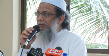 Kareem demanded that Wahhabi clerics to respect the collective voices of the majority of Muslims in the country adding that they do not want Malaysia to suffer like several warring countries in the middle-east.