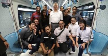 Prime Minister Datuk Seri Najib Razak took several social media commentators on an MRT ride last Friday, ahead of its opening.