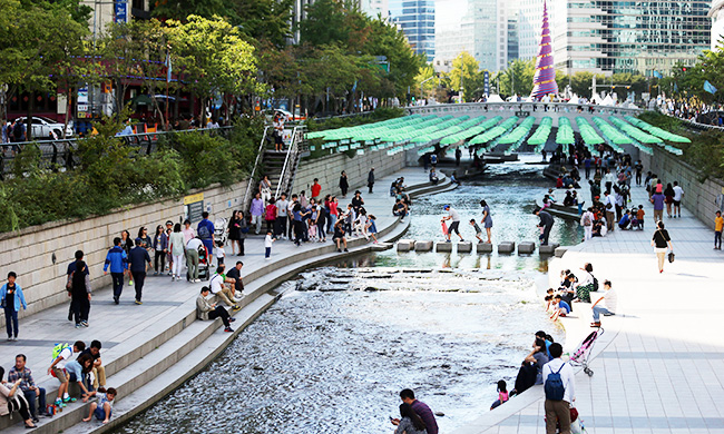 The once stinky Sungai Segget of johor Baru can now be as beautiful as the Cheonggyecheon stream of Seoul.