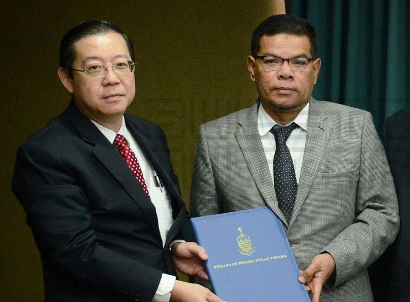 PKR secretary-general Datuk Saifuddin Nasution Ismail (right) with Penang chief minister Lim Guan Eng during the appointment ceremony.