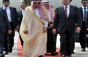 Prime Minister Datuk seri Najib Razak and Saudi Arabia's King King Salman bin Abdulaziz Al-Saud during the later's visit to Malaysia last year.