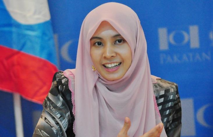 Wan Azizah dismisses rumour Nurul Izzah getting married to King