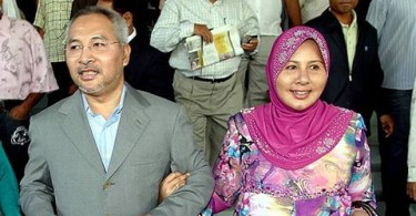 Dr Mohamad Khir Toyo and his wife Zahrah Kechik