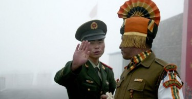 Chinese and Indian border guards at the disputed area