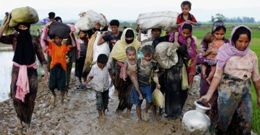 Some+90_000+Rohingya+Muslims+flee+Myanmar+as+violence+continues