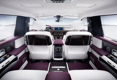 The interior of one Rolls-Royce Phantom.