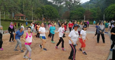 The Sunday morning Zumba class in full swing. (pic by Chong Yoke Mei)