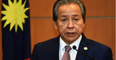 Anifah has finally decided to rebut former envoy.