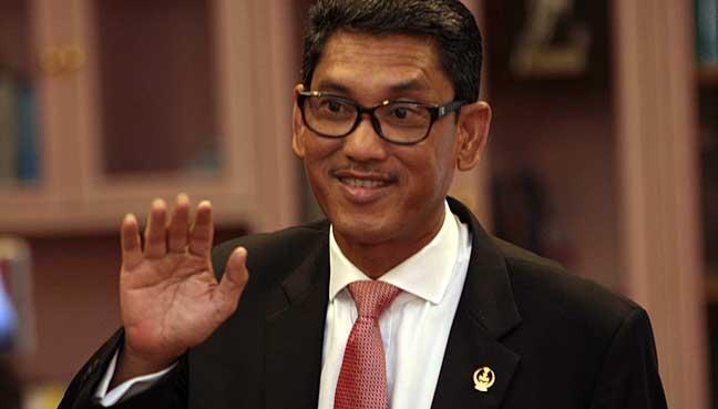 Datuk Seri Ahmad Faizal Azumu