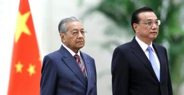Mahathir (left) and Li.