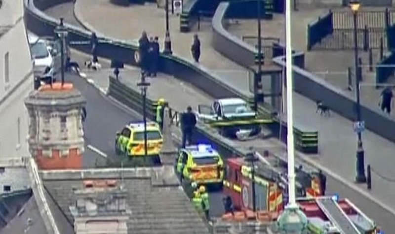 skynews-westminster-crash-parliament_4389474