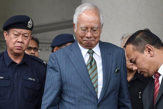 FILES-MALAYSIA-POLITICS-COR_v01