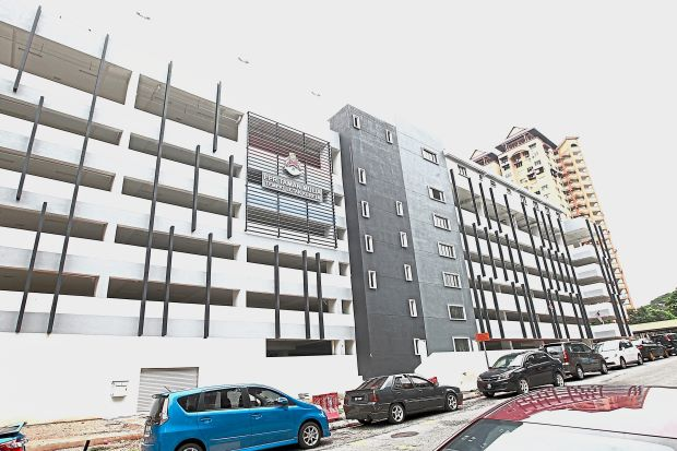 This multi-storey car park at PPR Taman Mulia was completed some time back but remains unused due to a problem.