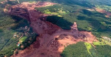 The environmental damage that followed the burst.