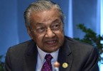 Survey shows that public support for Mahathir has fallen.