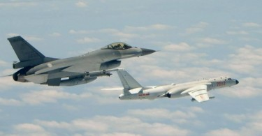 A Taiwanese F16 fighter shadowing a Chinese H6 bomber.