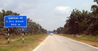 "Rural roads are also known as ""jalan kampung""."