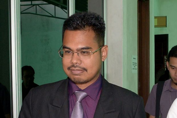 Hafizam -- A physicist he is not.