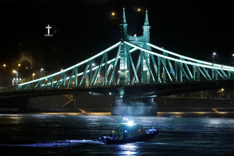 Search and rescue operation on the Danube for the missing victims.